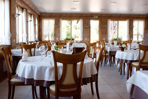 Restaurant avec salle de réunion